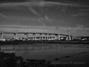 /A ponte estava deserta