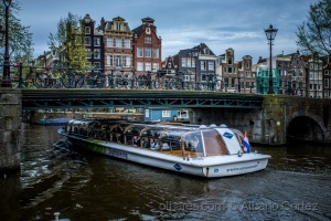 /canals of amsterdam