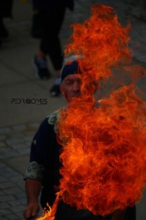 Gentes e Locais/Dominando o fogo!