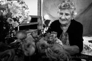 /Ela e as Flores