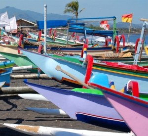 Gentes e Locais/Barcos balineses...