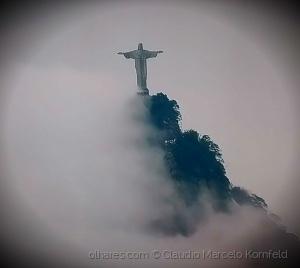 /Rio - Cristo Redentor em dia nublado