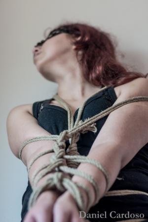 Retratos/White Cherry on Ropes - 1