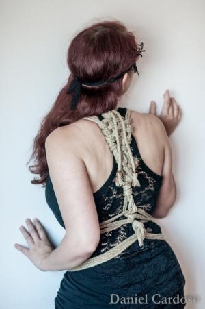 Retratos/White Cherry on Ropes - 2
