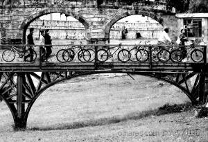 /A ponte e as bicicletas