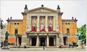 /NATIONAL THEATER