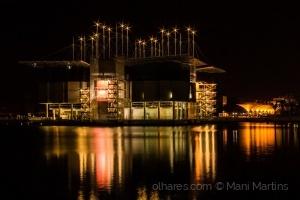 Paisagem Urbana/pela calada da noite ...