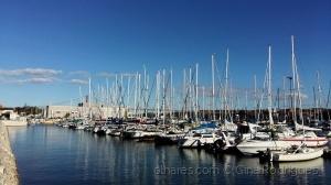 /Sailing Boats