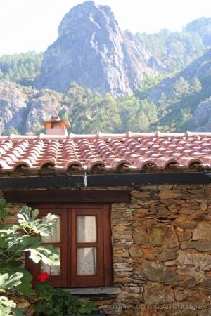 /Um Olhar na aldeia da Pena ( Góis )