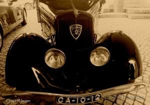 /Relíquia de Peugeot 201!