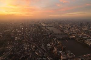 /Hazy London sunsets