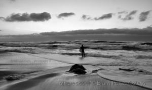 /AMIGO, OU TIRO FOTOS OU VOU SURFAR
