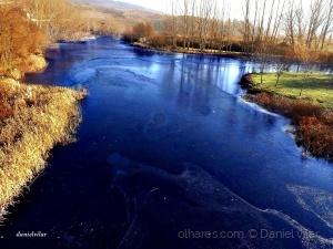 Outros/Ano Novo. O rio congelou - -8º - Gimonde.