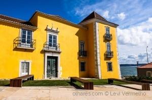 /O palácio amarelo