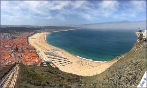 /...praia da nazaré vista por um smartphone