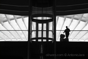 /Sem pressa na Estação do Oriente ( Lisboa )