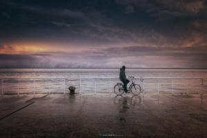Paisagem Natural/O homem e a sua Bicicleta . . .