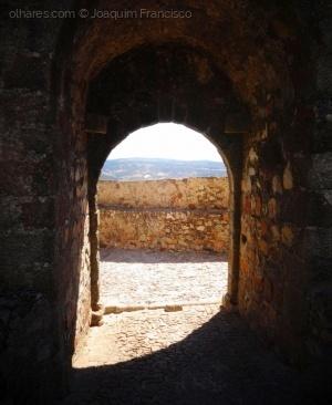 História/Uma Entrada, Meia Sombra