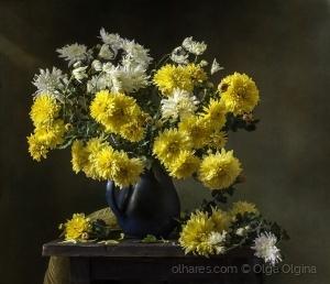 / Yellow and white