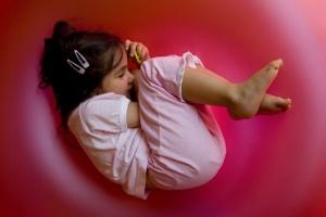 Retratos/Ninho cor-de-rosa (a filha pequenina)