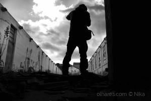 /viagem pelos escombros da memória