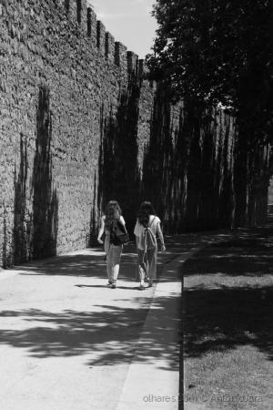 /Passeando ao longo da Muralha ( Évora )