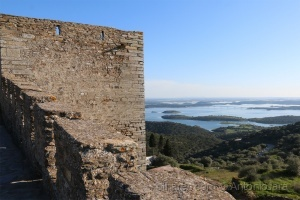 /A Muralha e o Alqueva ( Monsaraz )