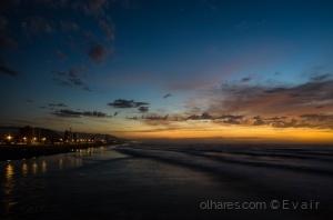 /Dawn on the beach