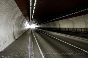 /Luz ao fundo do túnel