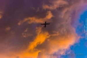 /Voando por baixo das nuvens