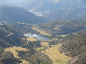 /Lago na montanha