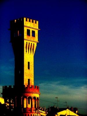 / a torre