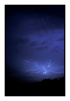 /Lightning