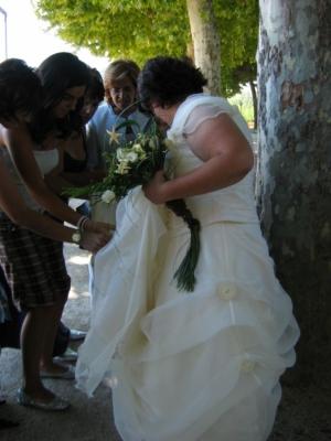 /Ajeitando o vestido