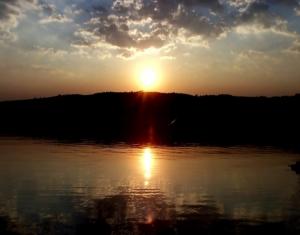 /O Sol desceu ao Mar