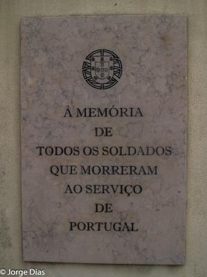 Gentes e Locais/freedom to all (25 de Abril)