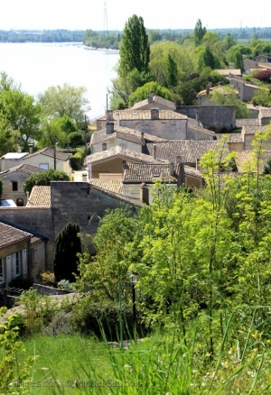/Un petit village si tranquille.....