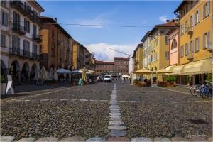 Paisagem Urbana/Pelas ruas de Pavia...