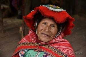 Gentes e Locais/ O olhar sereno de uma mulher andina.