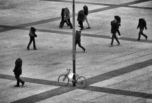 Gentes e Locais/Indiferença urbana /  Indiferença humana