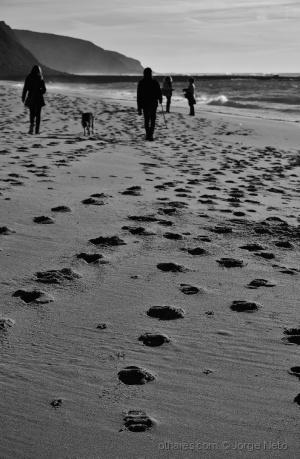 Gentes e Locais/Pegadas na Areia