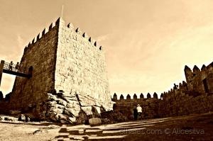 /Castelo de Trancoso....