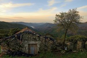 Paisagem Natural/Pitões das Junias ao amanhecer