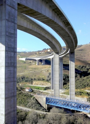 /Ponte sobreo Rio Corgo