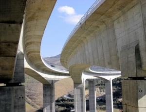 /Ponte sobre o Rio Corgo