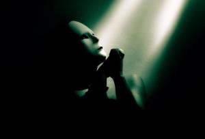 /Uma Oração no Escuro