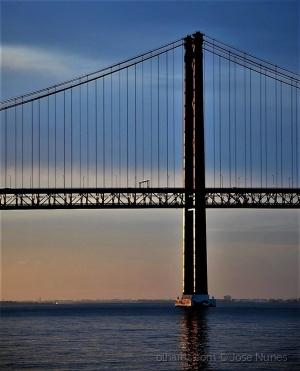 /Amanhecer na ponte