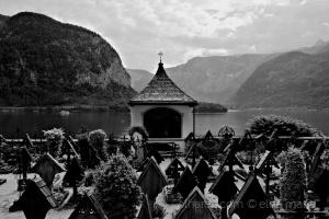 /o cemitério da aldeia