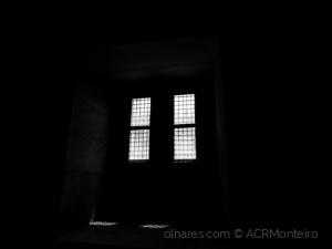 /A luz que entra pela janela.