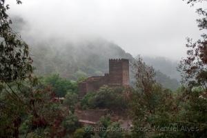 Gentes e Locais/Castelo na bruma